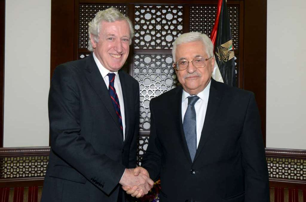 Palestinians Call on France to Coordinate for a Successful Peace Conference
