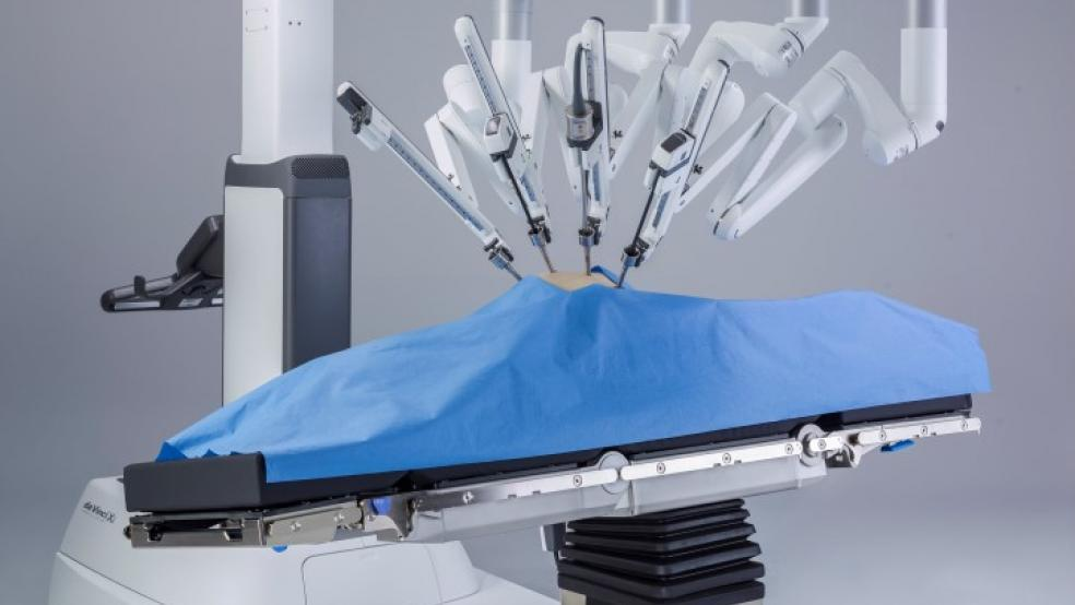 Robots to Vie for Space in Surgical Operations