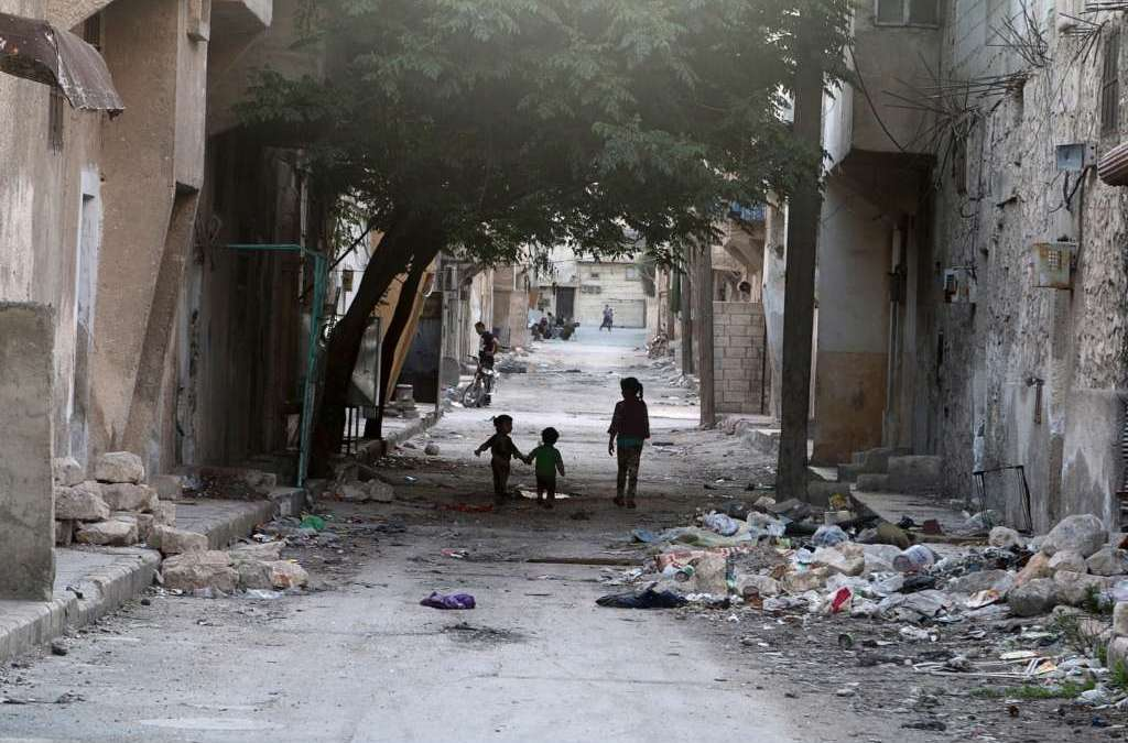 Violence Persists as Syrian Regime Cuts Only Road into Rebel-held Aleppo