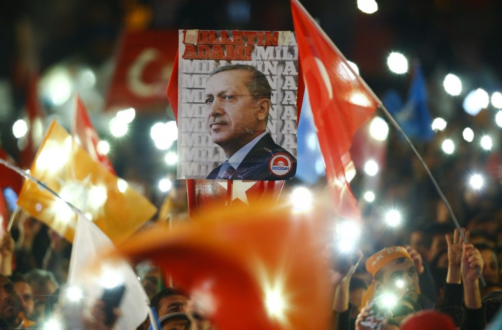 Plan to Naturalize Syrians in Turkey Causes Political, Public Partition