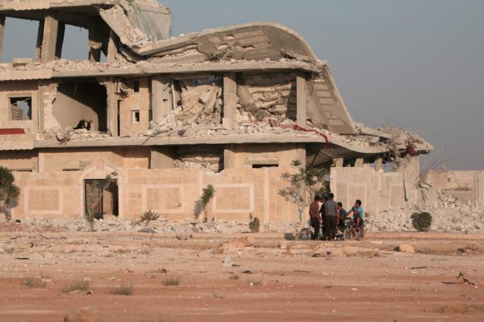 ISIS Frees Hundreds of Abducted Civilians after U.S.-Backed Forces Seized Manbij