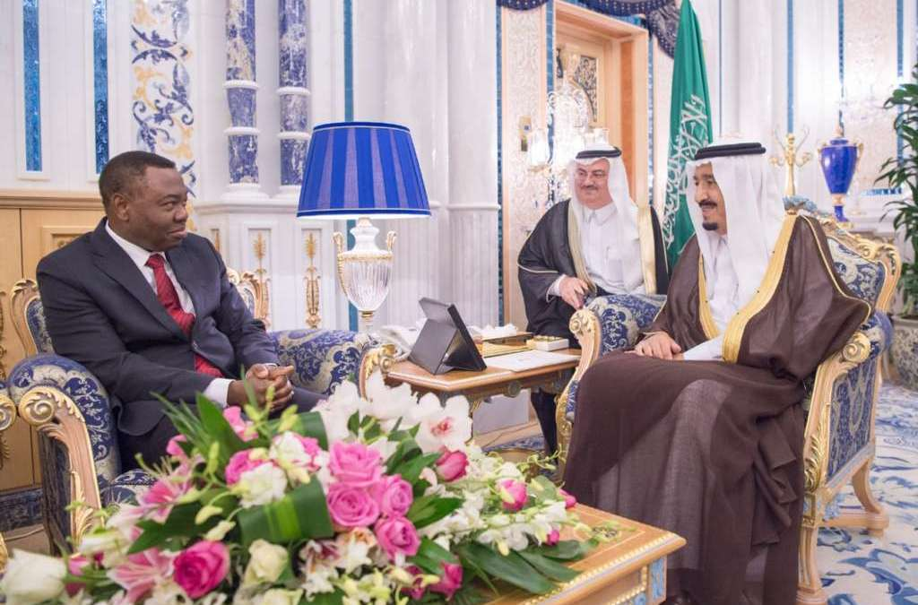 King Salman Receives President of Council of International Civil Aviation Organization