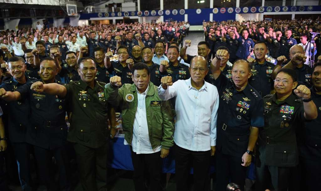 Philippine Confirms Strong Ties with Washington…Duterte Curses Obama, Fires U.S. Military Advisers