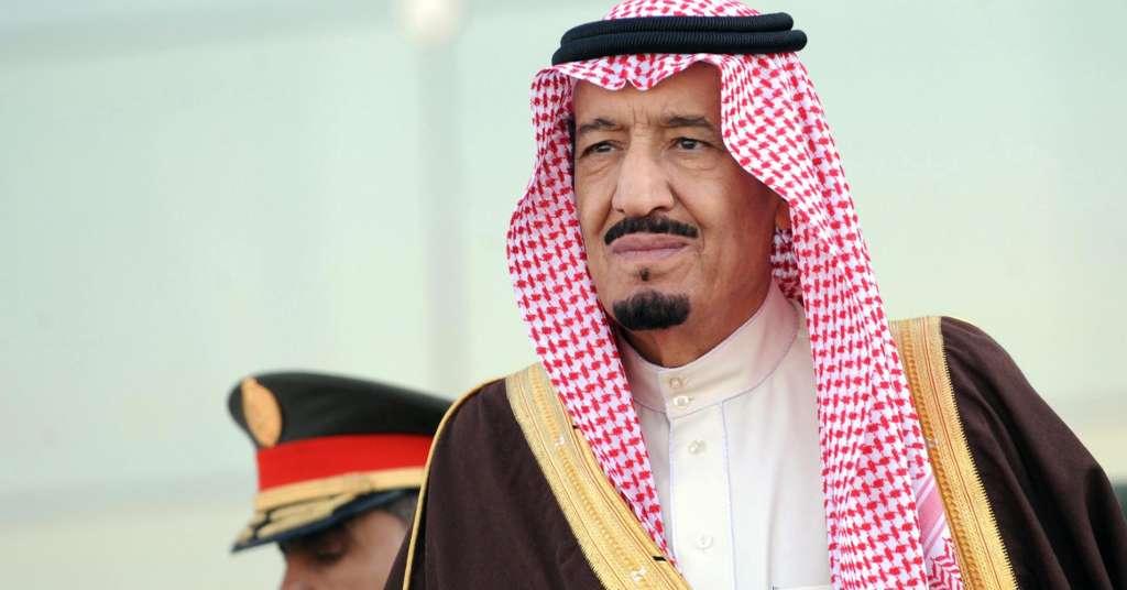 King Salman Offers Condolences to Thai Crown Prince on Death of King Bhumibol Adulyadej