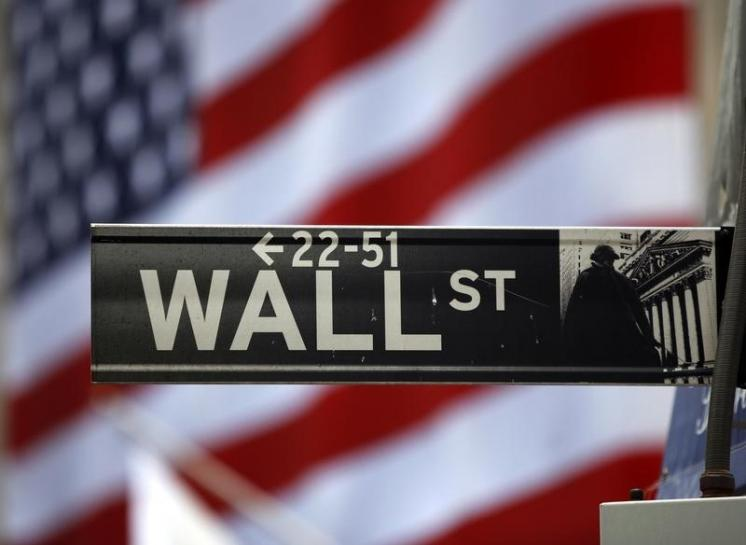 Energy, Banks Push Wall St Higher