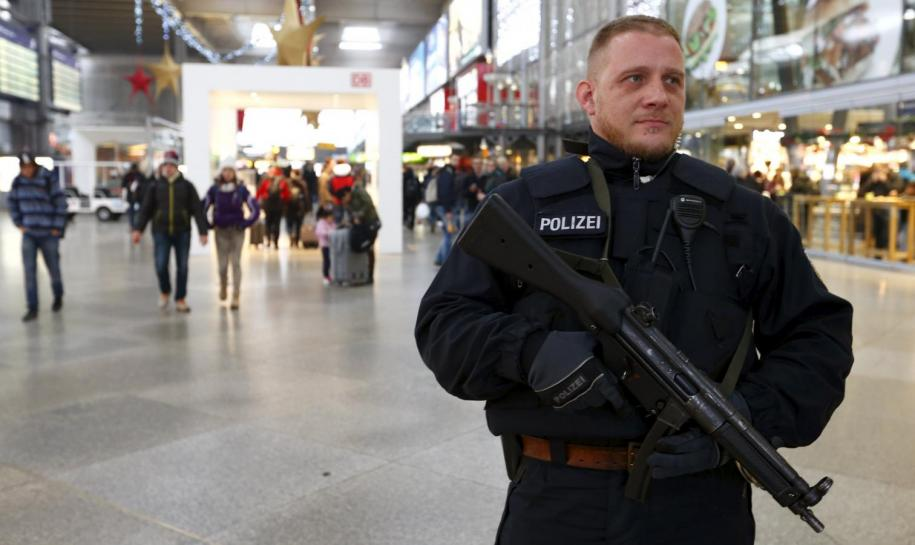 German Police Arrest Syrian Man Wanted in Bomb Plot