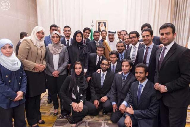 60 Saudi Students Stopped from Entering U.S., 5 of them over Mobile Phones