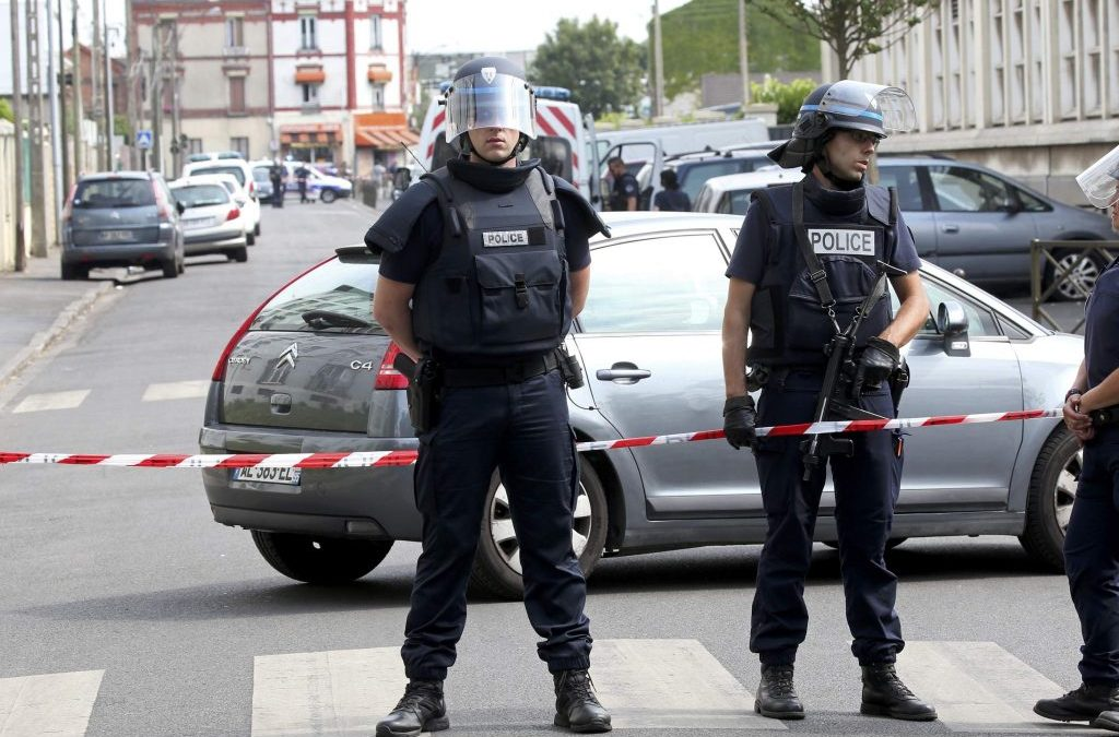 France Arrests 7 Suspects, Foils Terror Attack