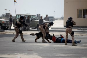 """Saudi Special Forces unit are seen during the month-long GCC joint security exercise """"Arabian Gulf Security 1"""" in Manama, Bahrain November 1, 2016."""