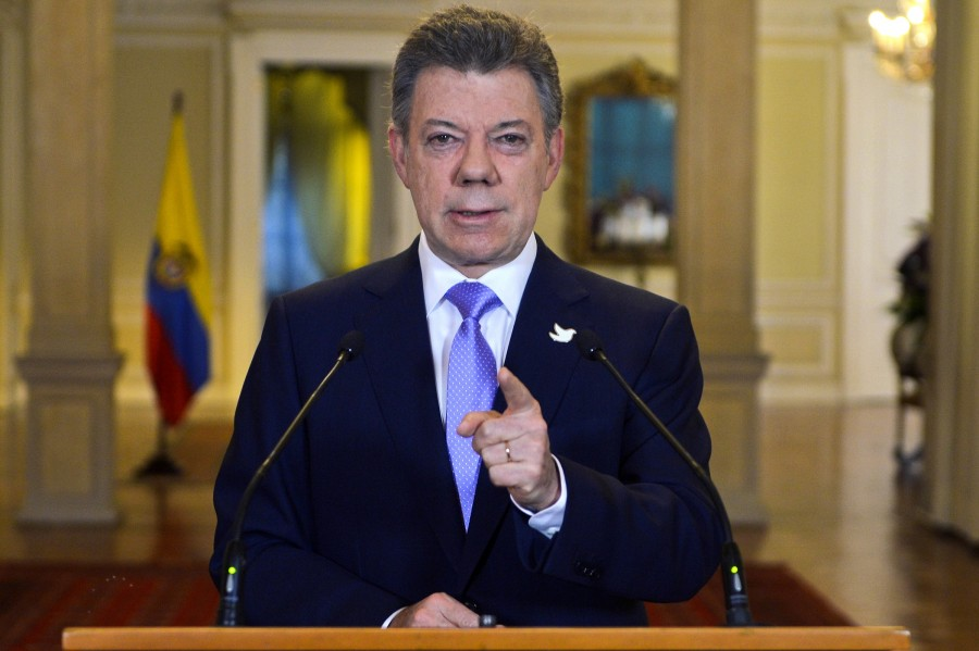 Colombia, Rebels Sign Revised Peace Deal