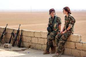 Syria Kurd women fighters, AFP