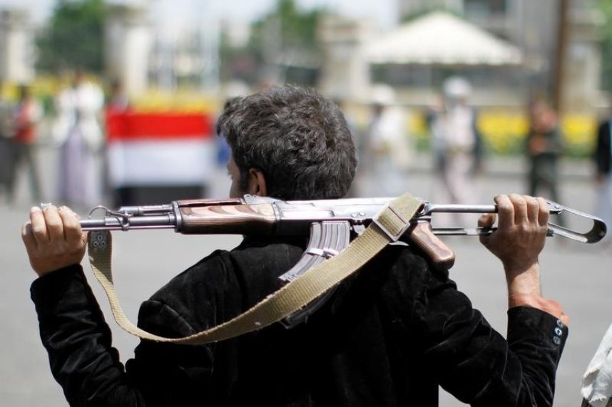 Yemeni Army Seizes 'Zelzal' Rocket Artillery in Eastern Sana'a