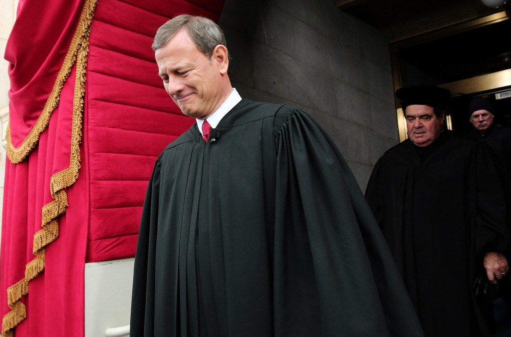 U.S. Supreme Court Considers Suit over Arresting Muslims