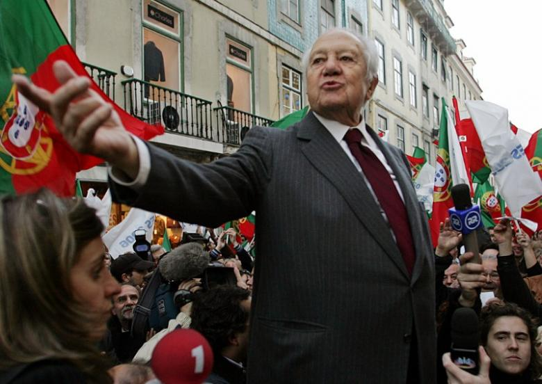 Former Portugal PM Soares Dies at 92