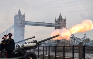 Members of the Honourable Artillery Company fire a 62 round royal gun salute from the Gun Wharf outside the Tower of London near Tower Bridge to mark the anniversary of Queen Elizabeth II's accession to the throne, London, 6 February, 2017. Photo: CHRIS J RATCLIFFE / AFP
