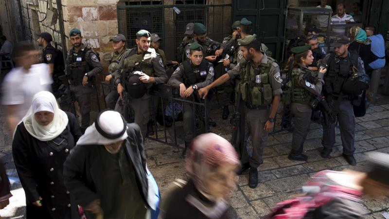 Aqsa Mosque Altercations Escalate, Israeli Forces Arrest Mosque Guards