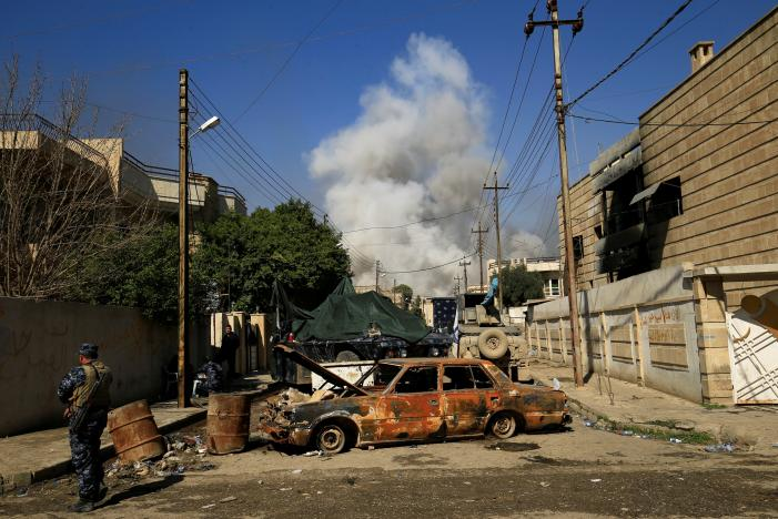 Iraqi Forces Capture Mosul Bridge, Close in on State Buildings