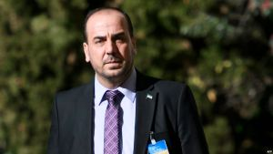 Syria's main opposition High Negotiations Committee (HNC) leader Nasr al-Hariri arrives for a meeting with United Nations Syria envoy on the first day of a new round of Syria peace talks on February 23, 2017 in Geneva. UN-brokered Syrian peace talks resume in Geneva, but hopes of a breakthrough are dim, clouded by persistent violence and deadlock over the country's political future.