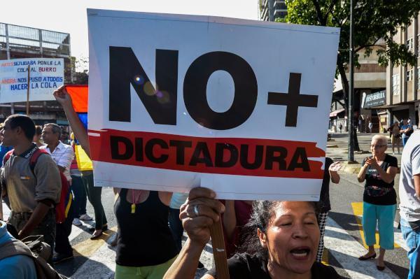 Venezuela Supreme Court Backs down from Bid to Boost Maduro's Power