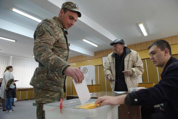 Armenians Cast Vote in Closely Fought Parliamentary Elections