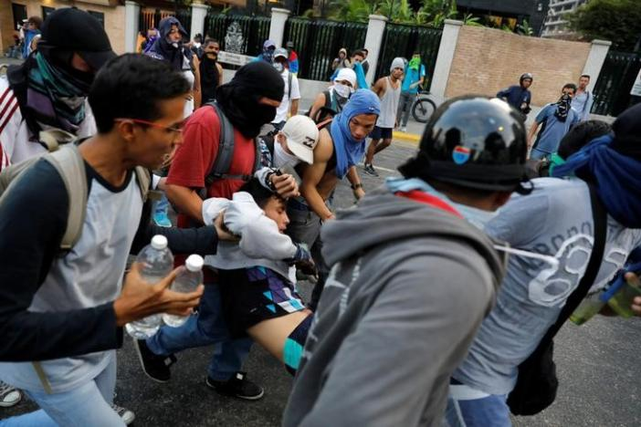 Two Killed as Protests Spread in Venezuela