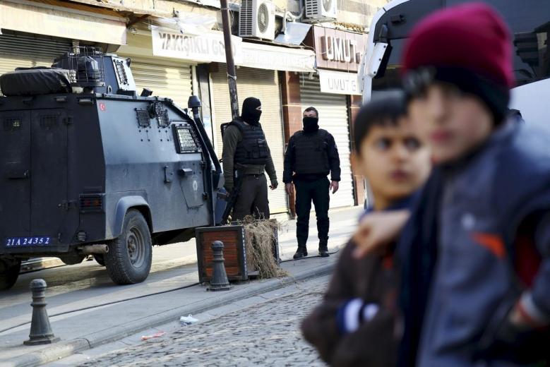 At Least 4 Injured in Blast in Turkey's Diyarbakir