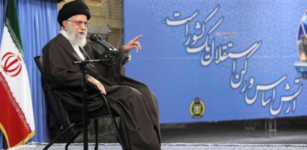 Khamenei Criticizes Officials' Fears from 'Enemy Warnings'