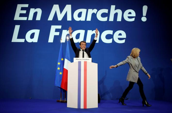 Sparks Set to Fly as Le Pen, Macron Face Off in Final Debate ahead of Sunday's Vote