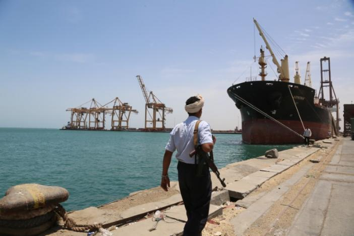 Government Considers Replacing Port of Hodeidah to Deliver Aid