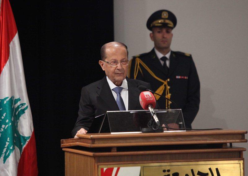 Aoun, Hariri Sign 1st Decree on Reclaiming Lebanese Nationality