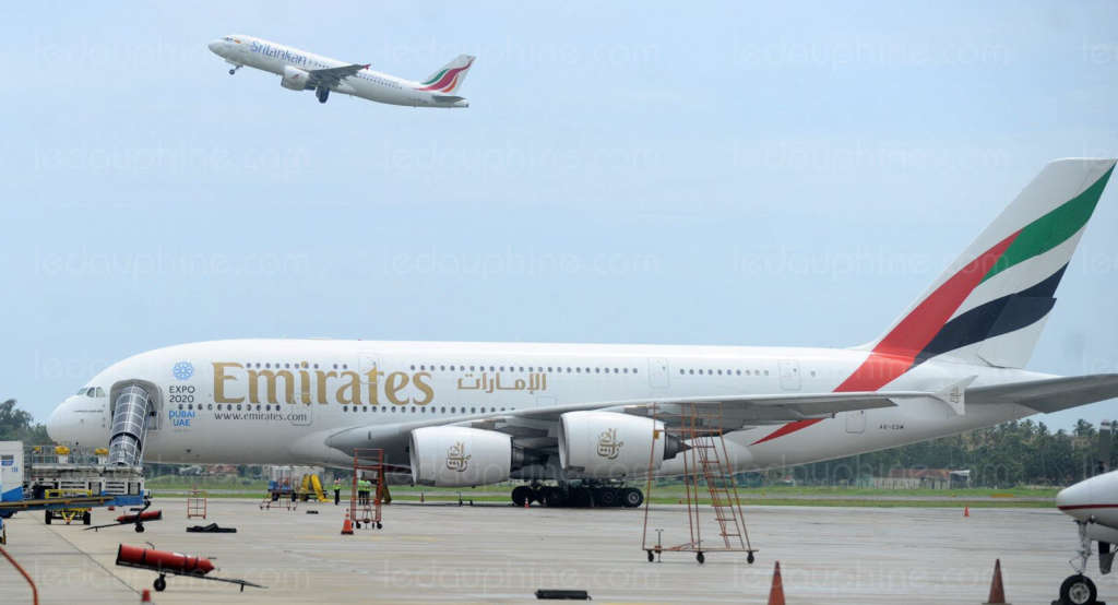 Emirates Group Profits Fall 70 Percent in 1 Year
