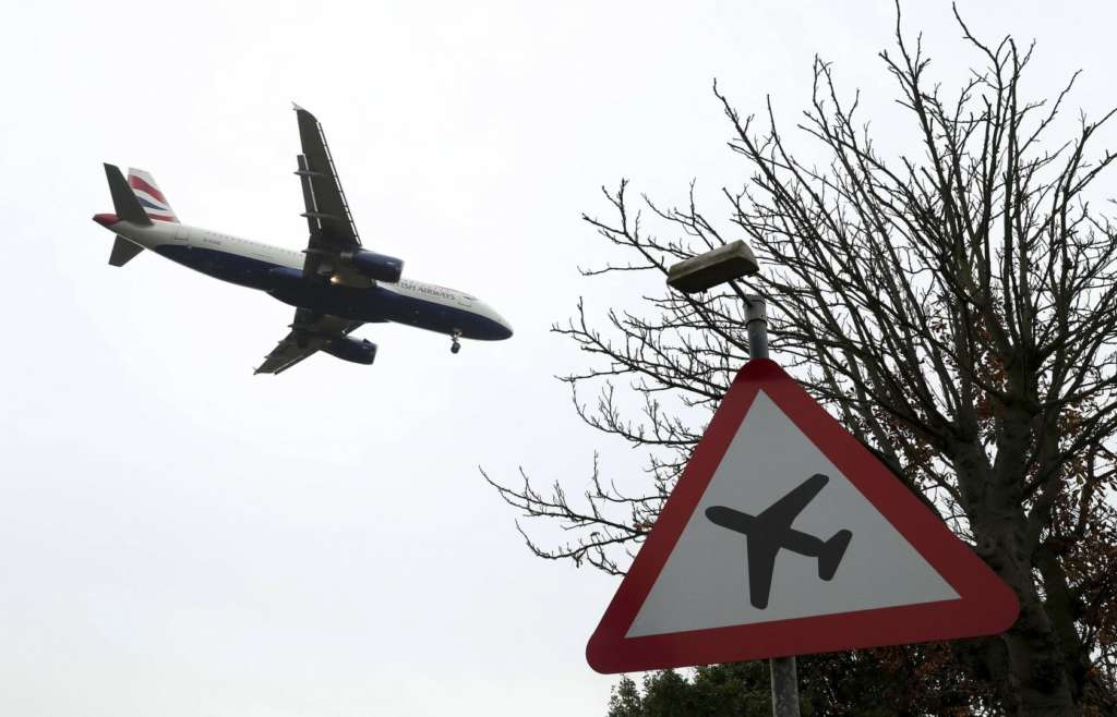 Heathrow Briefly Suspends some Flights due to 'Security Issue'