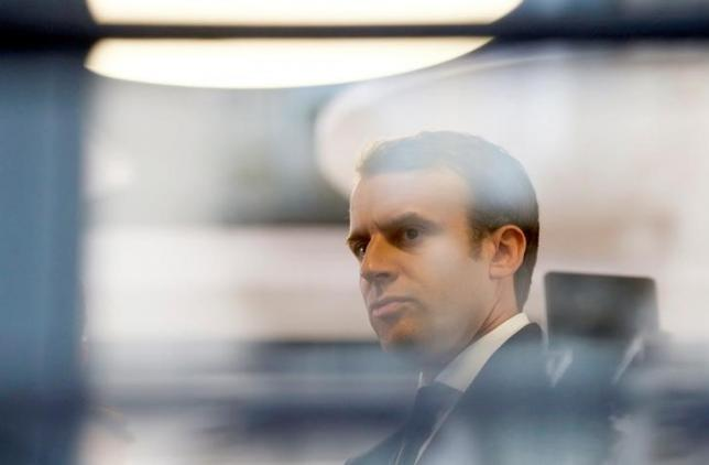 Macron Targeted in Massive Hack, France Warns against Republishing Campaign Emails