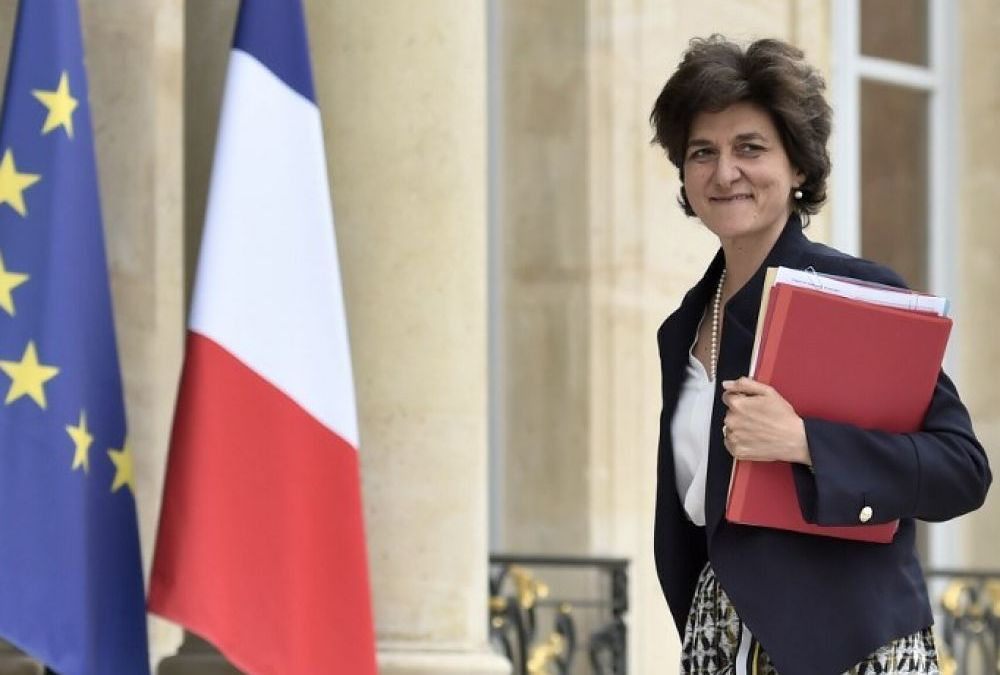 French Defense Minister Quits amid Probe
