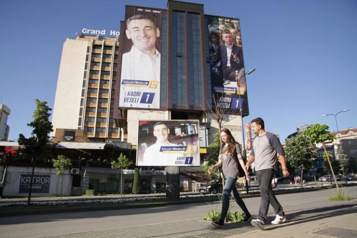 Kosovo Holds Snap Elections to Ease Economic Woes