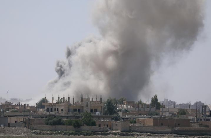 ISIS Suggests Handing over Raqqa in Exchange of Safe Exit