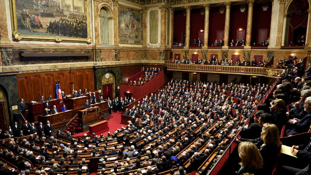 Macron Proposes Deep Reform, including Reducing Number of MPs, Lifting State of Emergency