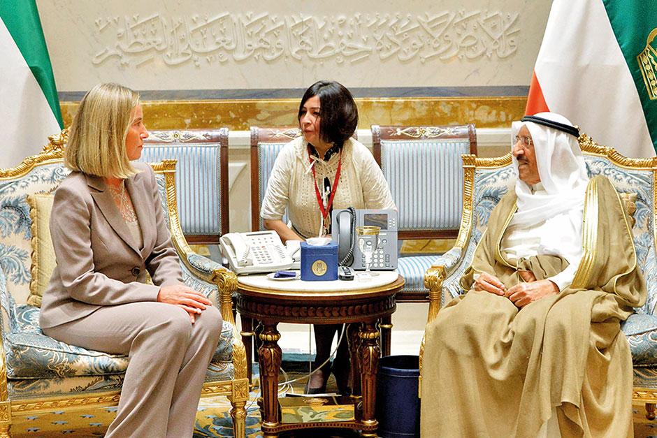 Mogherini in Kuwait to Discuss Qatar Crisis