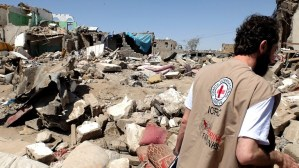 Sana'a, Yemen: ICRC teams talk to people whose houses have been damaged or destroyed in air strikes.