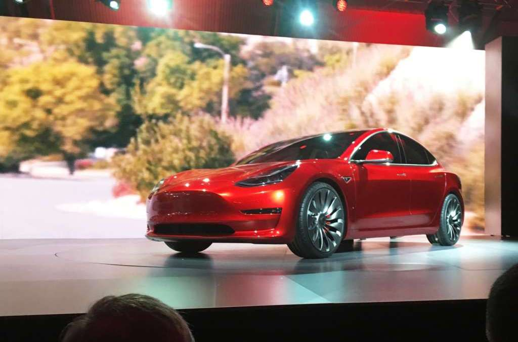 Tesla Begins to Deliver Model 3 to Early Buyers