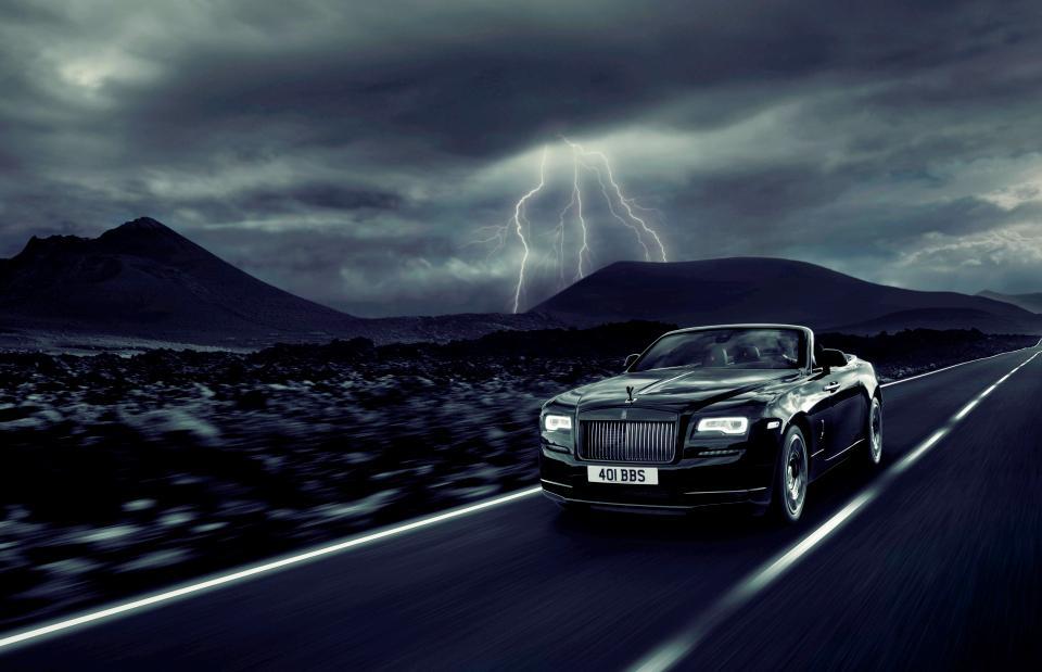 Rolls-Royce Unveils Convertible 'Dawn Black Badge'
