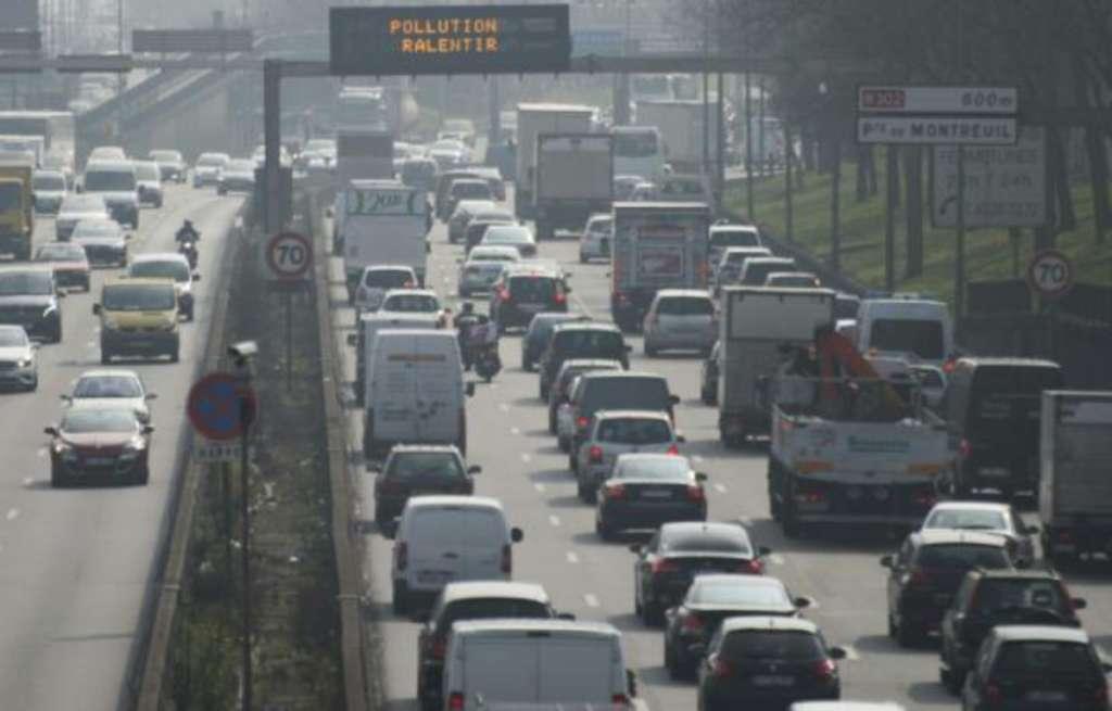 Roads Leading to France, Switzerland, Germany Paralyzed by Traffic