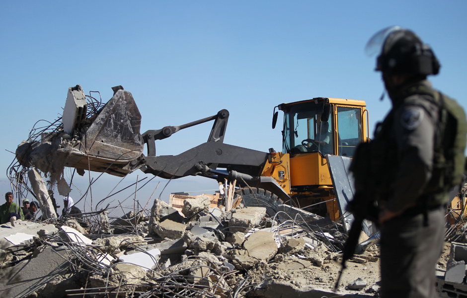 Israel Suspends Contentious Settlement Law as it Demolishes Homes in Naqab
