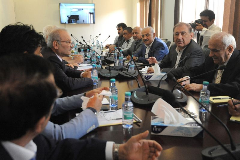 Syrian Opposition Fails to Form Unified Delegation to Geneva