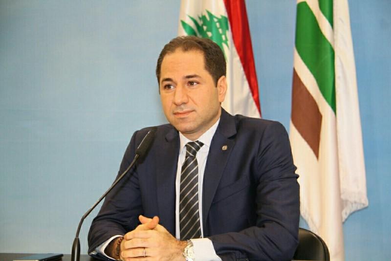 Lebanese Politicians Strongly Criticize 'Hezbollah,' Nusra Swap Deal