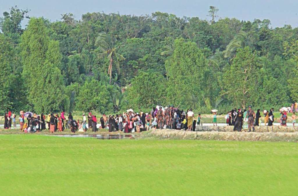 Thousands of Rohingya Muslims Flee Clashes in Myanmar's Rakhine State