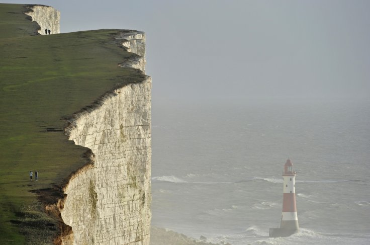UK Police Warn of 'Unknown Haze' in Britain's Southern Coast
