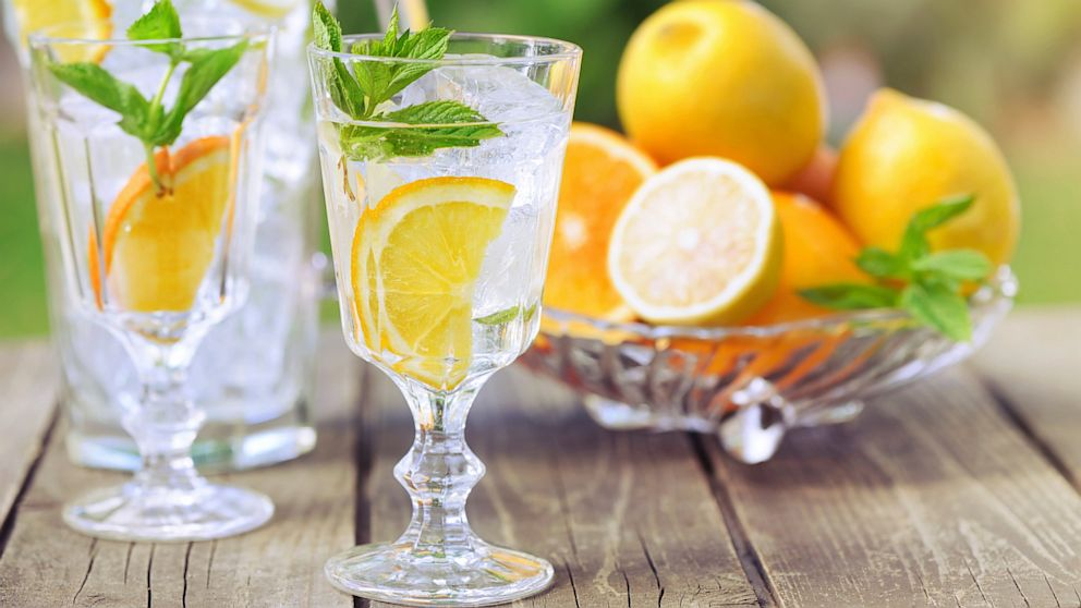 Natural Choices to Add Flavor to Water