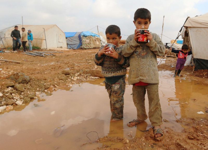 Saudi Campaign Continues Providing Safe Drinking Water for Displaced Syrians