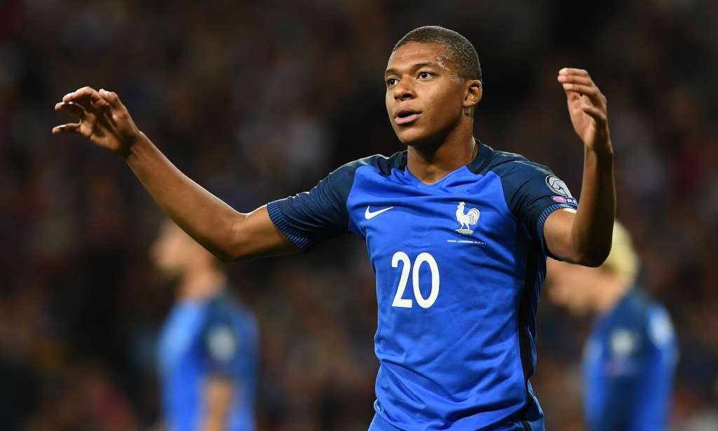 France Have All the Talent in the World but They Look Like a Team of Individuals